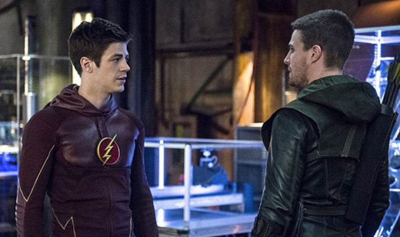 arrow-the-flash-crossover-stephen-amell-grant-gustin-600x429